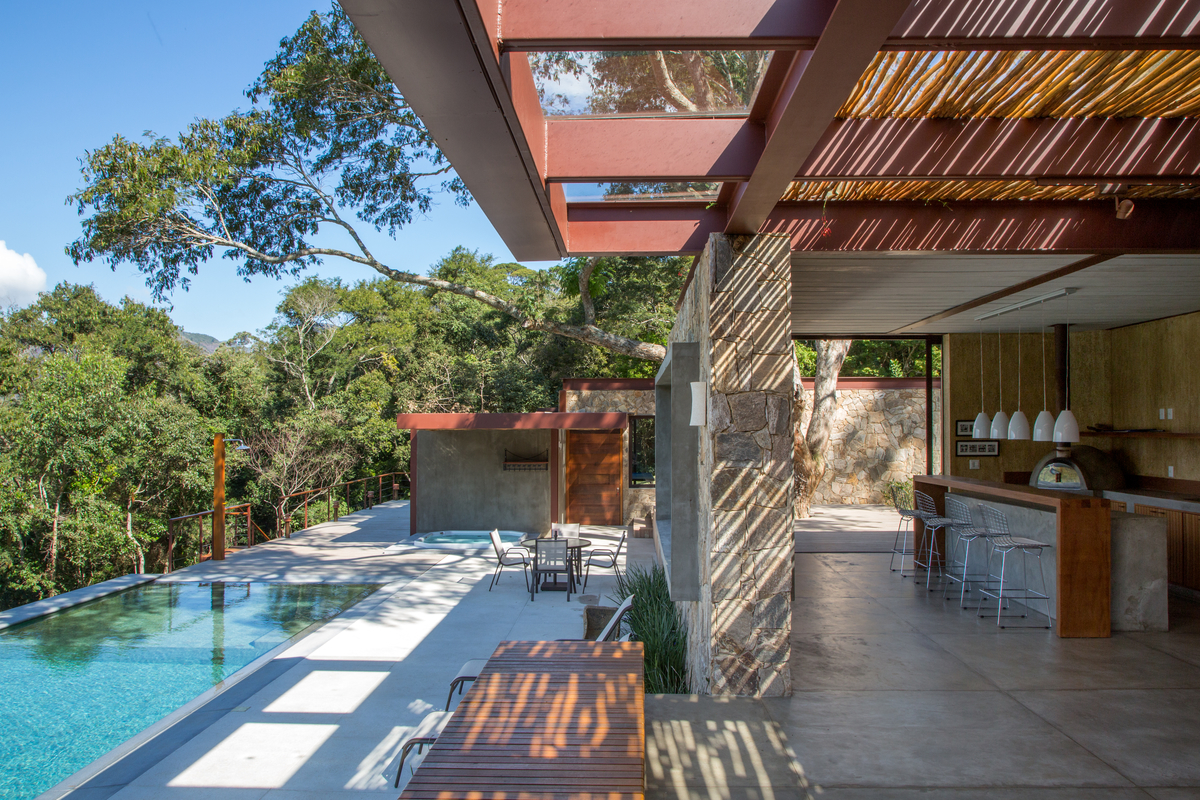 Casa em Petrópolis rodeada pela natureza