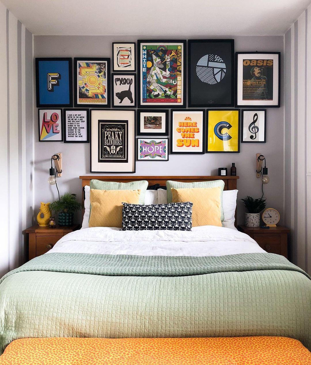 ideias de arranjos de quadros na parede