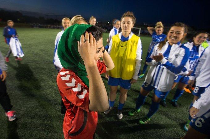 Frozan Tajali, capitão da equipe nacional de futebol feminino do Afeganistão