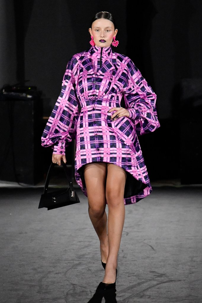 Modelo em Paris Fashion Week