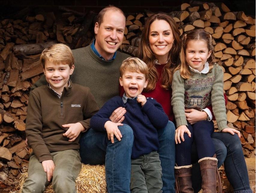 Kate, William, George, Charlotte e Louis