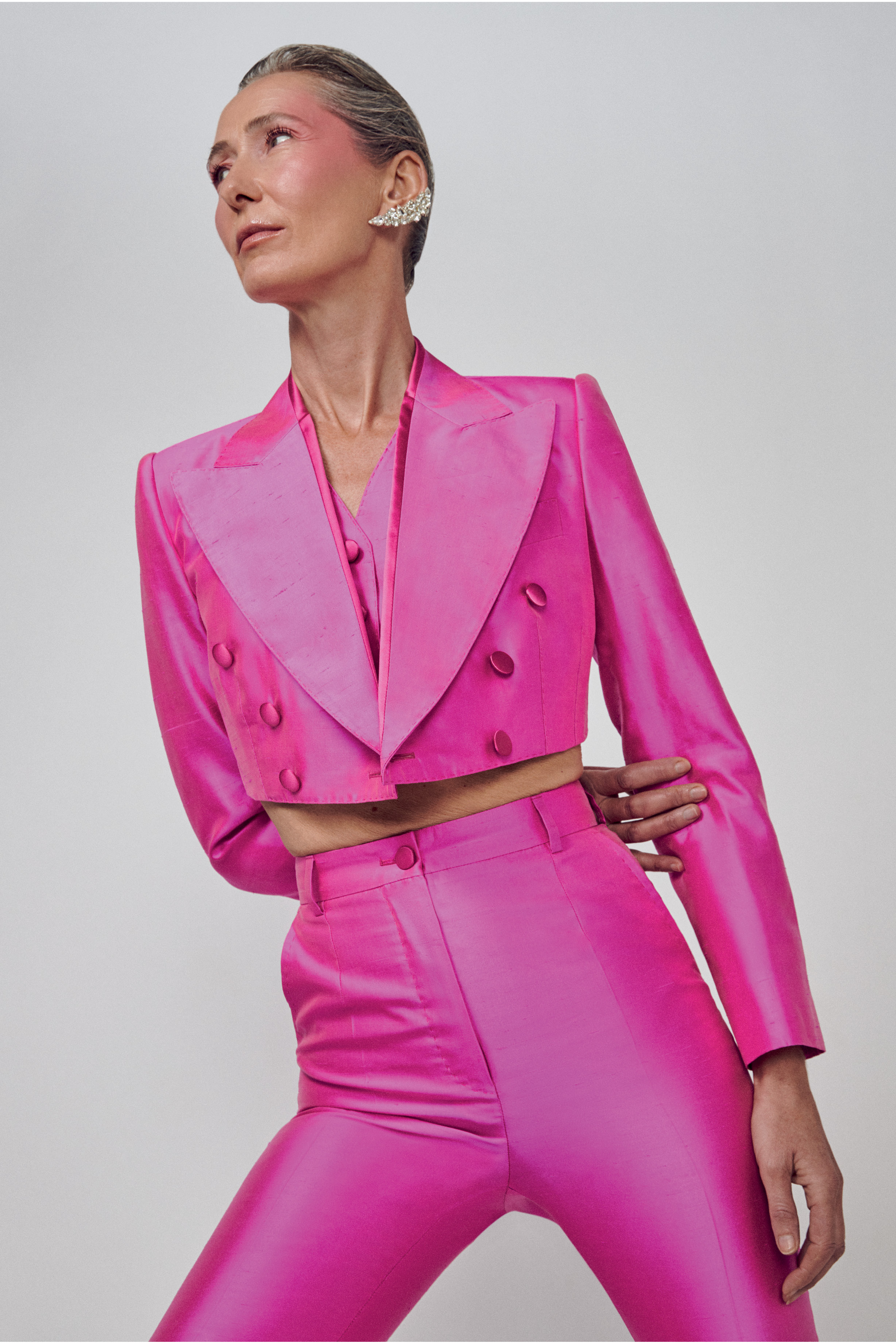 modelos com roupa rosa