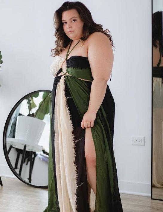 Vestido vazado - recorte lateral
