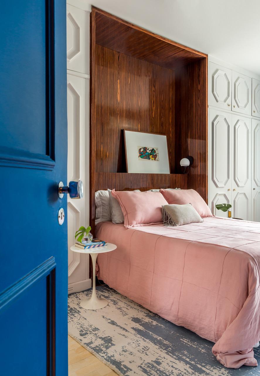 quarto com cama rosa