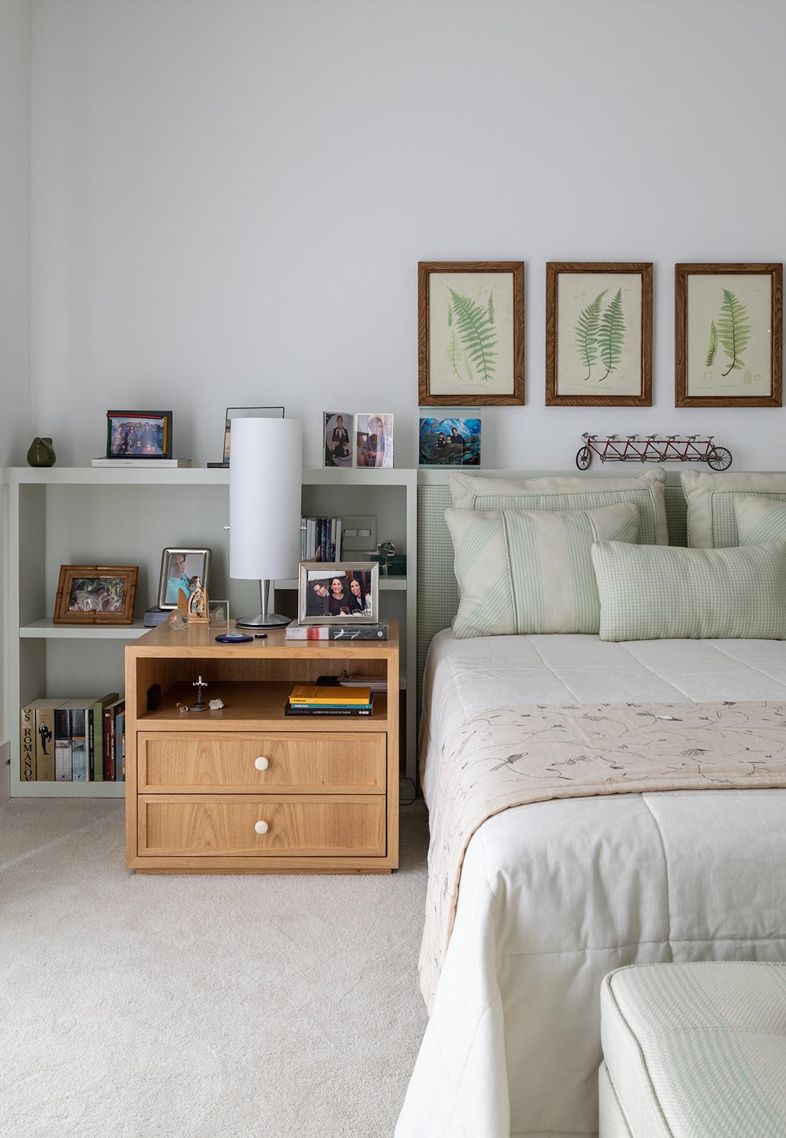 quarto decorado com quadros