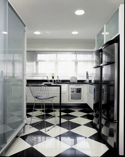 Cozinha, projeto das arquitetas Denise Vighy e Alessandra Conde.
