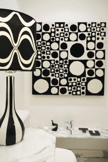 Lavabo da casa de Paula Acioli, pesquisadora de moda e designer.