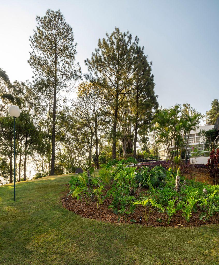 Nãna Guimarães restaura o deslumbrante jardim de Burle Marx na CASACOR MG