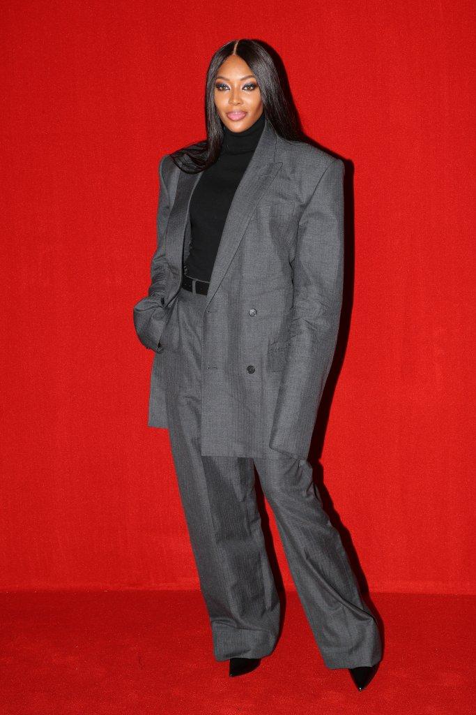 Naomi na passarela do Paris Fashion Week